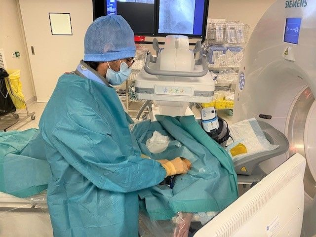 hypnose médicale par réalité virtuelle en radiologie interventionnelle